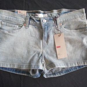 Women's Size 11 Levi's Shortie Shorts